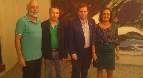 El alcalde socialista de Jun, propuesto por las redes para revolucionar la política