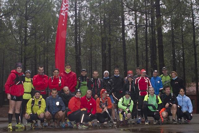 Los corredores en el Training Camp junto a Sebastian Chaigneau