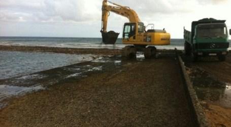 El cierre de playas en el sur pone en evidencia el daño de un derrame de petróleo