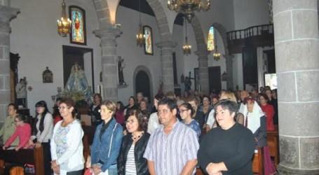 Tunte celebró El Rosario con la presencia del obispo Cases Andreu