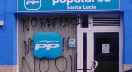 """El PP de Santa Lucía condena los """"actos vandálicos"""" contra su sede"""