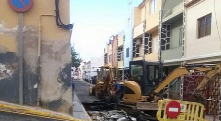 Vecinos de la calle El Pino hacen 'recular' al grupo de gobierno de Mogán