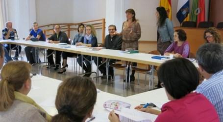 Los centros escolares de Santa Lucía reciben 222.500 euros para material del alumnado