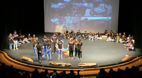 El alumnado de Santa Lucía exhibe su talento en la Muestra Escolar de Artes Escénicas