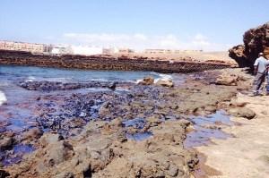 Arinaga, vertido Muelle Viejo