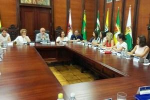 Antonio Morales se reúne con los 21 responsables de Igualdad