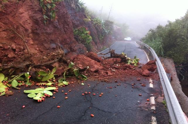 Carretera Agaete a La Aldea, desprendimientos