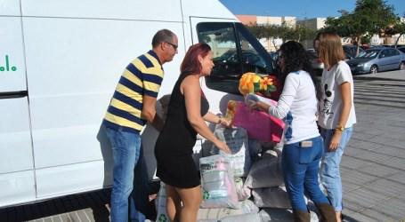 El Ayuntamiento tirajanero recoge 350 kilos de ropa usada para necesidades sociales