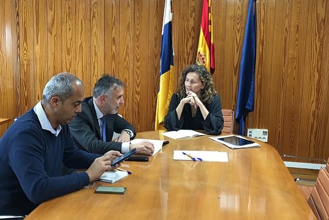 Carretera La Aldea, Ornella Chacón y Ángel Víctor Torres
