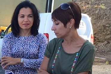 Onalia Bueno e Isabel Santiago (izq)