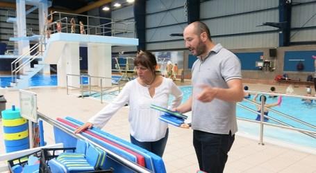 Santa Lucía renueva material de piscina con 6.000 euros del rodaje de una película