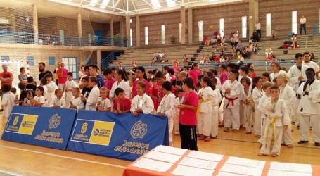 Los karatecas tirajaneros consiguen siete primeros puestos y un segundo en Agüimes