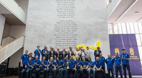 El 'Granca' regresa al Cabildo adueñado de la Supercopa y promete dar el 200%
