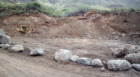 Los ecologistas denuncian la ocupación del cauce público del barranco de Veneguera
