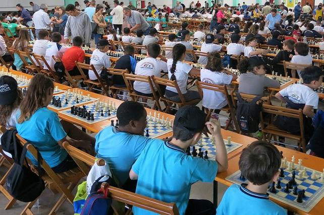 Ajedrez, Encuentro Escolar