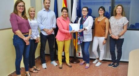 Mogán dona 900 euros recaudados en la Caminata Solidaria a la Comunidad de Hermanas Oblatas