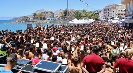 """El """"desmadre"""" obliga a suspender la Fiesta del Agua en Arguineguín"""