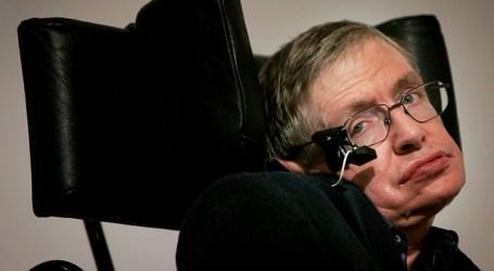 Tenemos que salir de la tierra, insiste Stephen Hawking