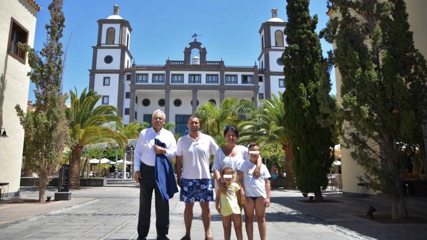Turistas fieles a Maspalomas