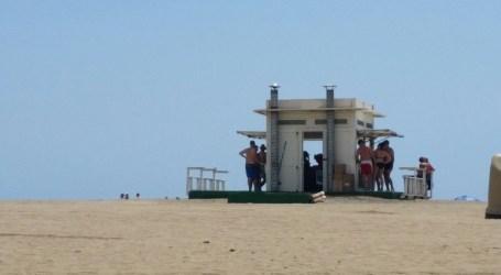 Elena Espino (NC) afirma que los servicios que se prestan en las playas siguen siendo deficientes