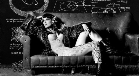 Eva Lilith, el uno y el verso del universo