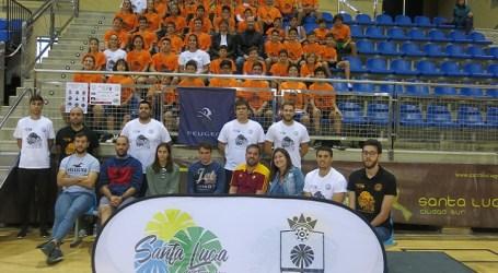 Jugadores y entrenadores del Santa Lucía Basket participan en el I Multiclinic de Baloncesto