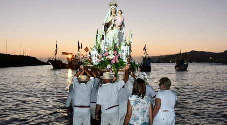 Más de 6.000 personas acuden a la procesión terrestre de la Virgen del Carmen en Arguineguín