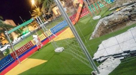 Tres meses después de su inauguración levantan el pavimento del parque infantil de Arguineguín