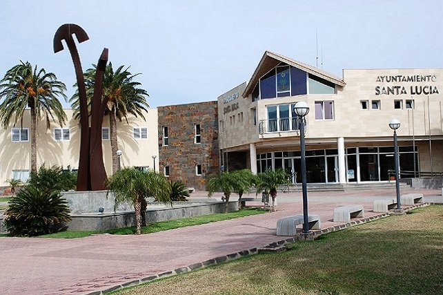 Ayuntamiento de Santa Lucía, Vecindario