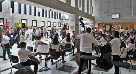 La Agrupación de Cuerda de la Academia de la OFGC actuó en los Hospitales Negrín, Insular y Materno Infantil