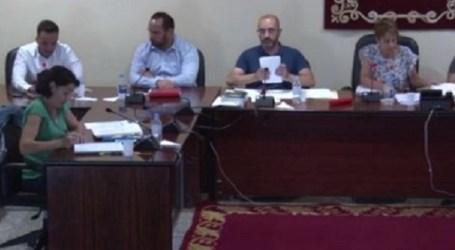 La alcaldesa de Mogán expulsa del pleno a la portavoz de NC tras intentar que el secretario aclarase una duda legal