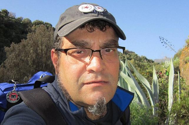 Ramón González, gorra