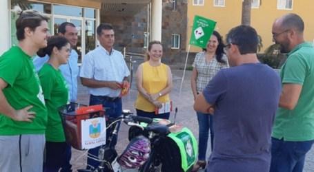 La campaña de 'Bicican' promueve el paseo responsable de mascotas por las calles de Santa Lucía