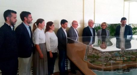 SeaSide presenta en el Ayuntamiento la maqueta de los hoteles proyectados en Pasito Blanco