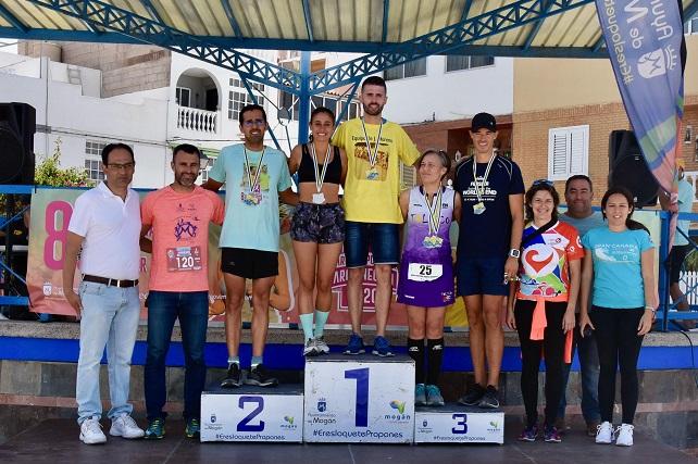 Alberto Cabrera y Davinia Mejías, ganadores de la Carrera Popular de Arguineguín 2020 Además de las pruebas principales se celebró una caminata solidaria a beneficio de la Asociación Española Contra el Cáncer (AECC)