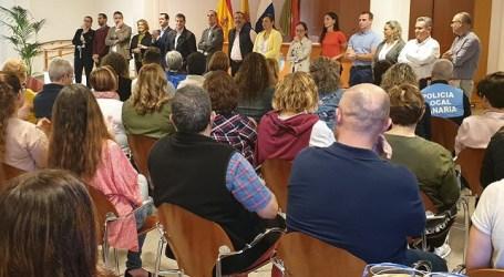 """El nuevo gobierno de Santa Lucía se presenta ante el personal municipal para """"trabajar por el interés general sin mirar atrás"""""""