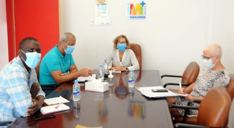 Conchi Narváez traslada las necesidades del municipio a la Comisión para la Reconstrucción Social