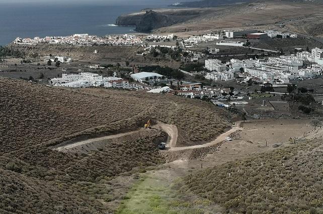 Reanudadas las obras de los polvorines que suministrarán explosivos a los túneles de Faneque Foro Roque Aldeano manifiesta su satisfacción por el desbloqueo y el compromiso de Obras Públicas de recuperar el tiempo perdido