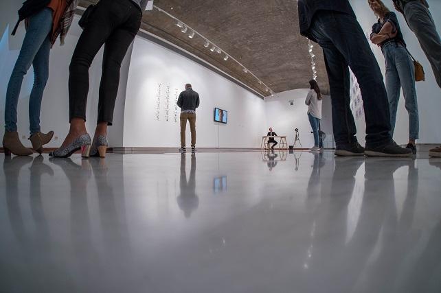 El Centro de Artes Plásticas inaugura temporada con una colectiva que avanza su oferta expositiva hasta 2021 La muestra se exhibe del 17 de septiembre al 16 de octubre, e incluye en su nómina a los diez creadores y creadoras ganadores de su convocatoria pública de proyectos artísticos
