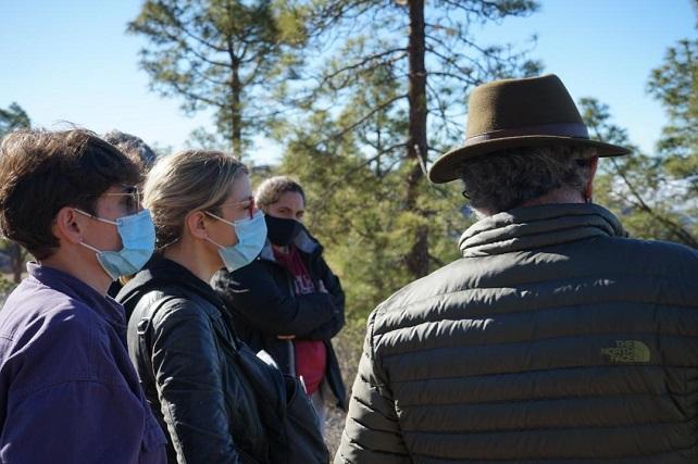 Los Verdes piden a Podemos rechazar el Proyecto Chira-Soria La eurodiputada María Eugenia Rodríguez Palop acompañada de miembros de la formación política y de la Plataforma visitaron el barranco de Arguineguín