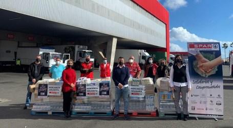 El Décimo Solidario de El Caballo de Oro culmina con la donación de 1.700 kilos de alimentos