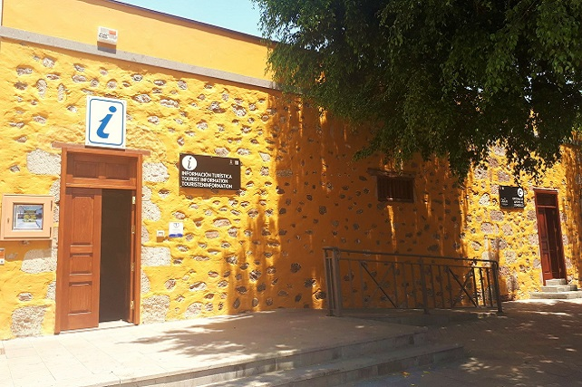 """La Oficina de Turismo de Santa Lucía vuelve a ser reconocida por el SICTED por su """"Compromiso de Calidad Turística Debido a la actual situación sanitaria, la CCGC anuncia que por el momento no está programado el acto de entrega de la placa a los establecimientos"""
