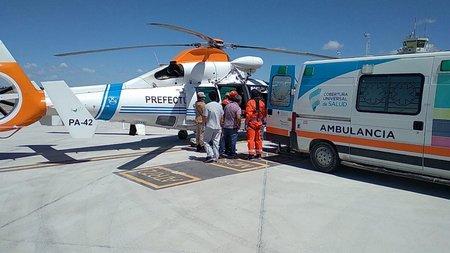 Prefectura rescata tripulante herido