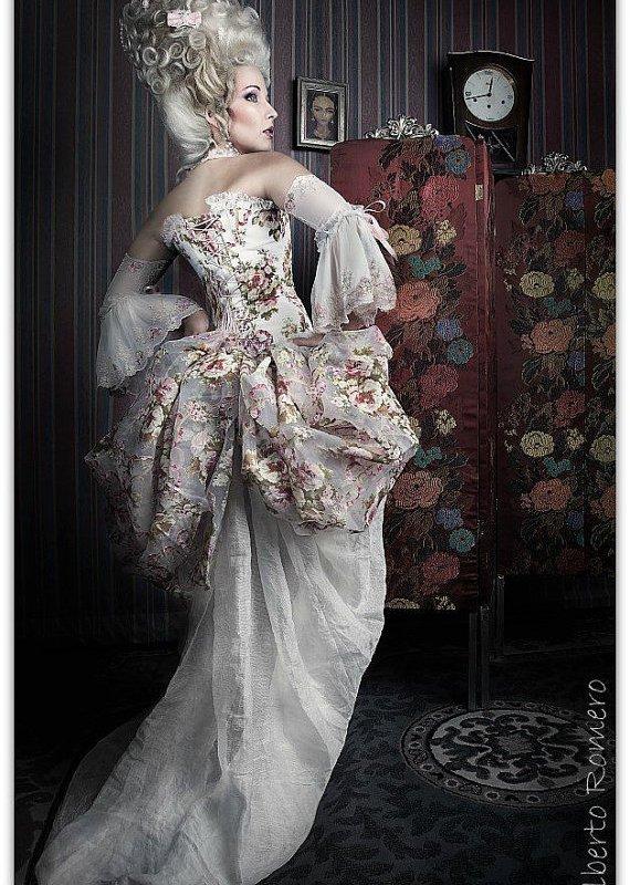 "alt=""victorian corset"""