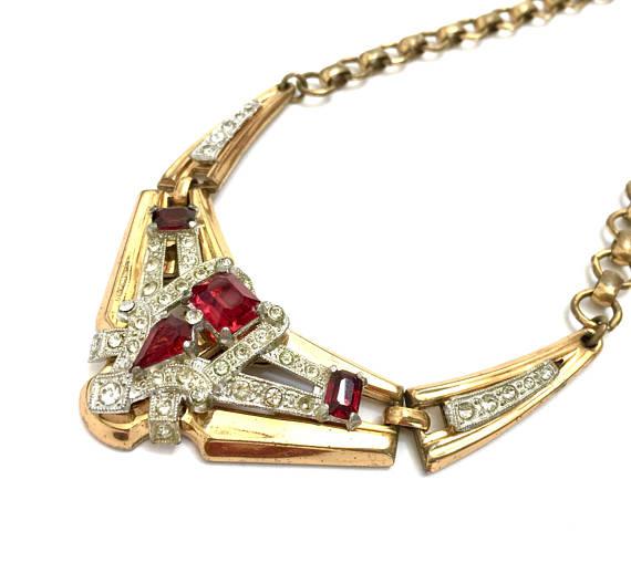 """alt=""""vintage necklace"""""""