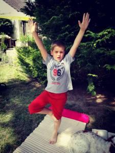 yoga-enfants-posture-arbre