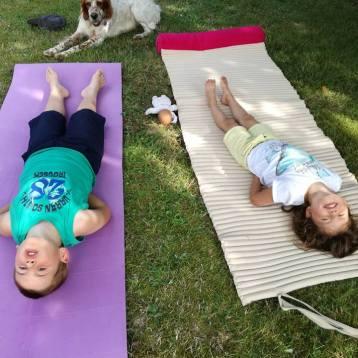yoga-enfants-posture-poisson