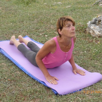 yoga-posture-salutation-au-soleil