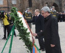 President Vladimir Putin together with President Serzh Sarkisian visiting the Tsitsernakaber Genocide3 Memorial.