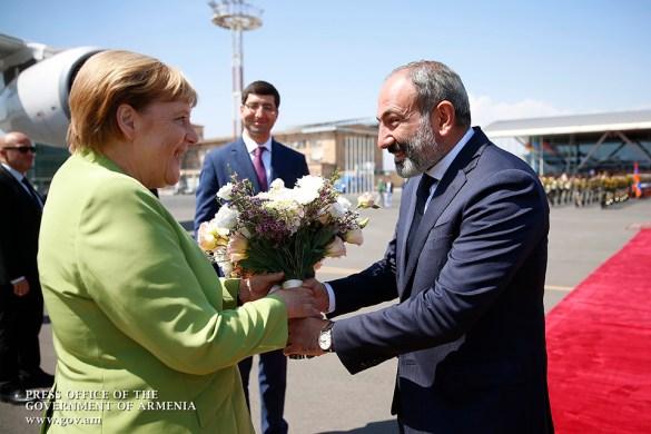 Angela Merkel Praises Armenia Pledges to Help Yerevan Implement CEPA Agreement with EU
